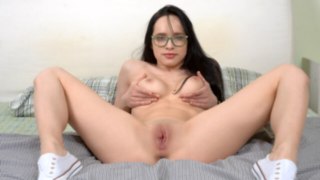Juicy Leila in.. big tits brunette masturbation